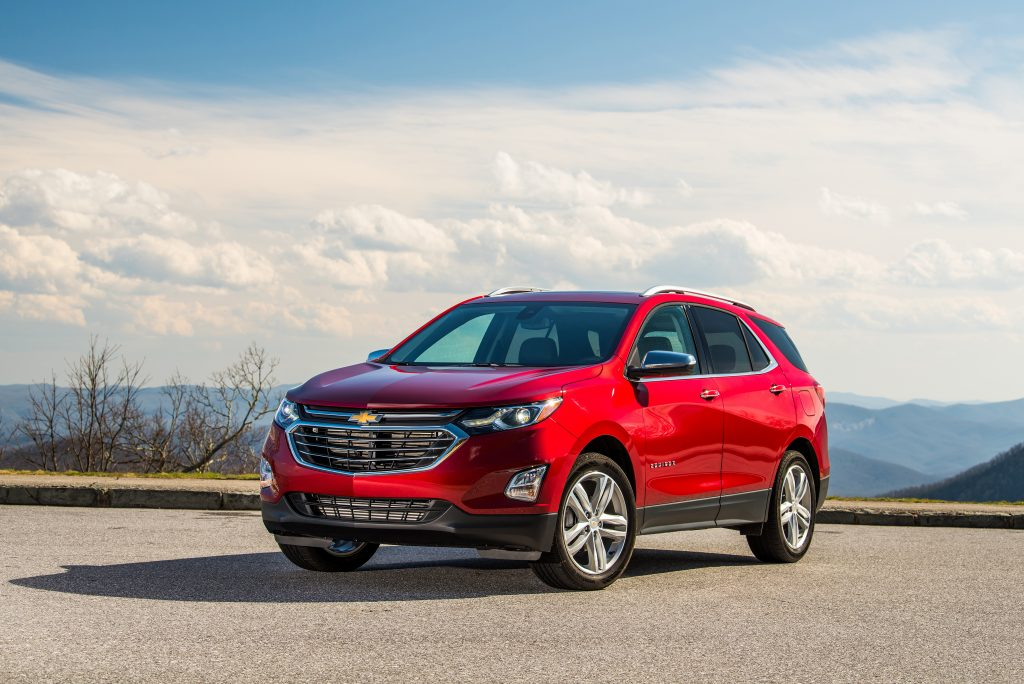 2019 Chevrolet Equinox parked near scenic mountain view