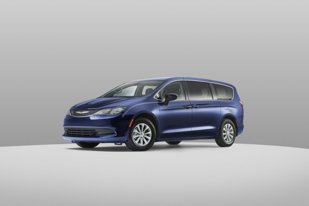 2020 Chrysler Voyager side view