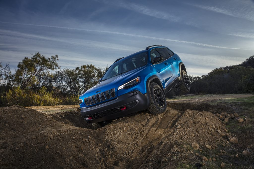 2019 Jeep Cherokee Trailhawk off-road.