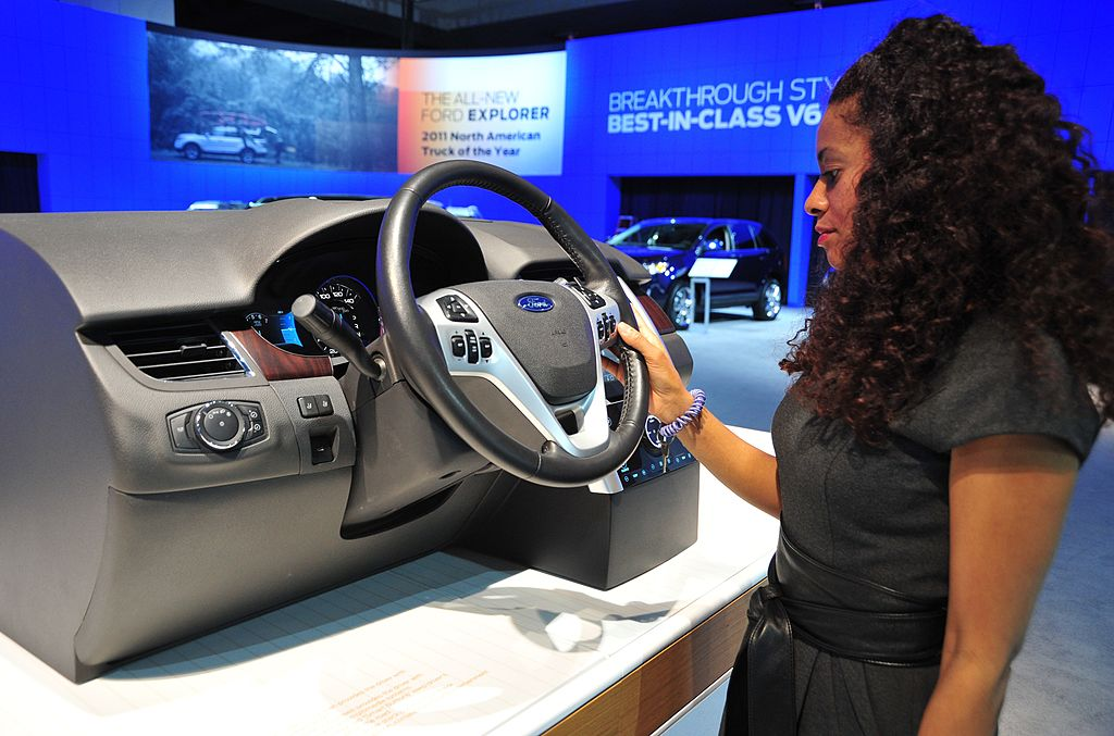 Ford Settles In Class Action Over Myford Touch