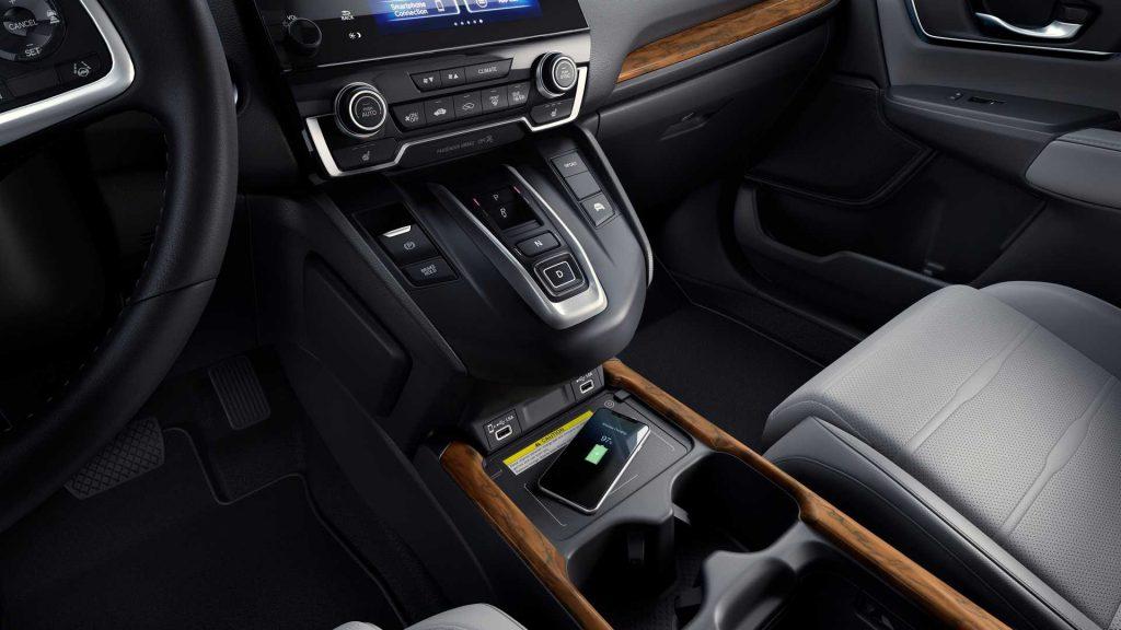 wood detail on the dash of a Honda CR-V touring hybrid