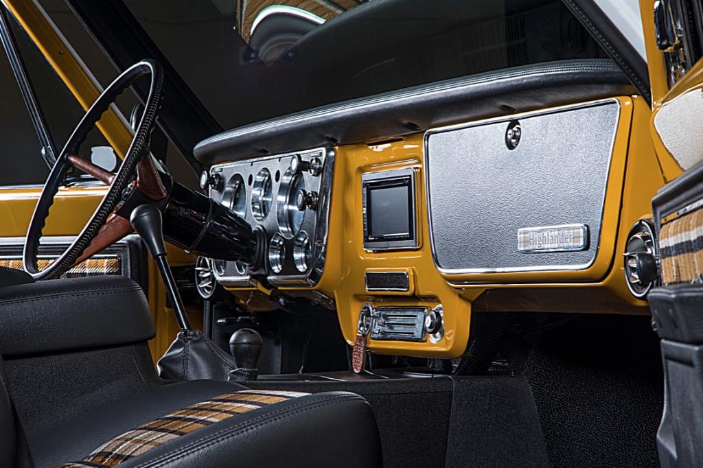 1972 C50 Crew Cab Chevy Pickup | RTech-003