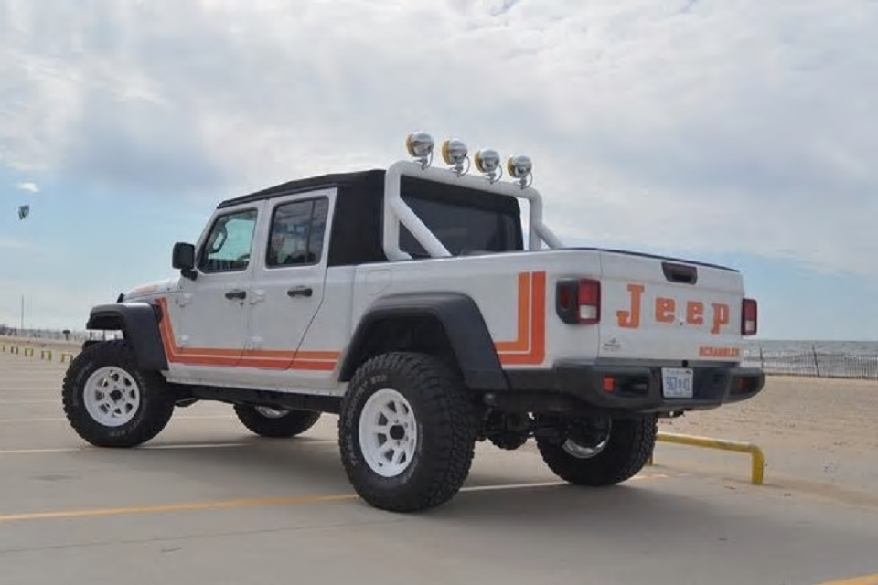2020 Jeep Gladiator Scrambler Tribute