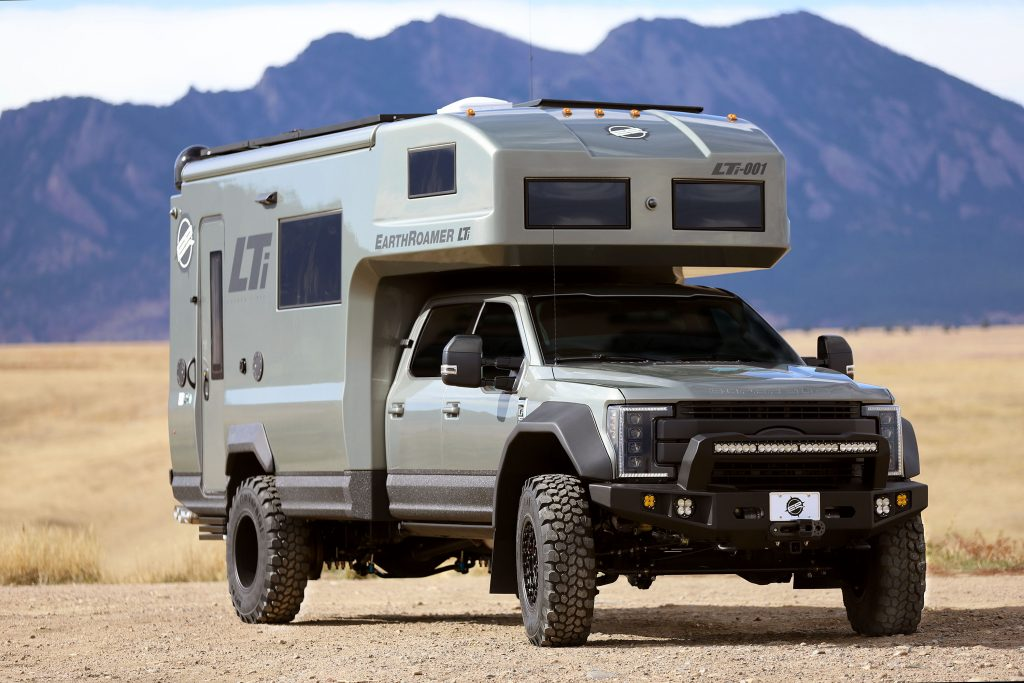 EarthRoamer LTi Ford F-550 Super-Duty side