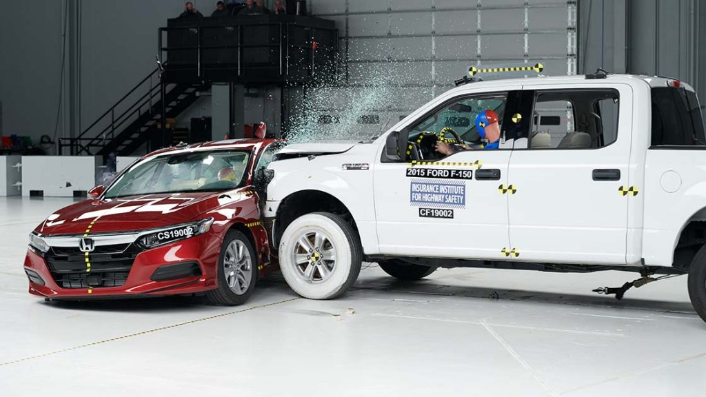 IIHS developing new crash test