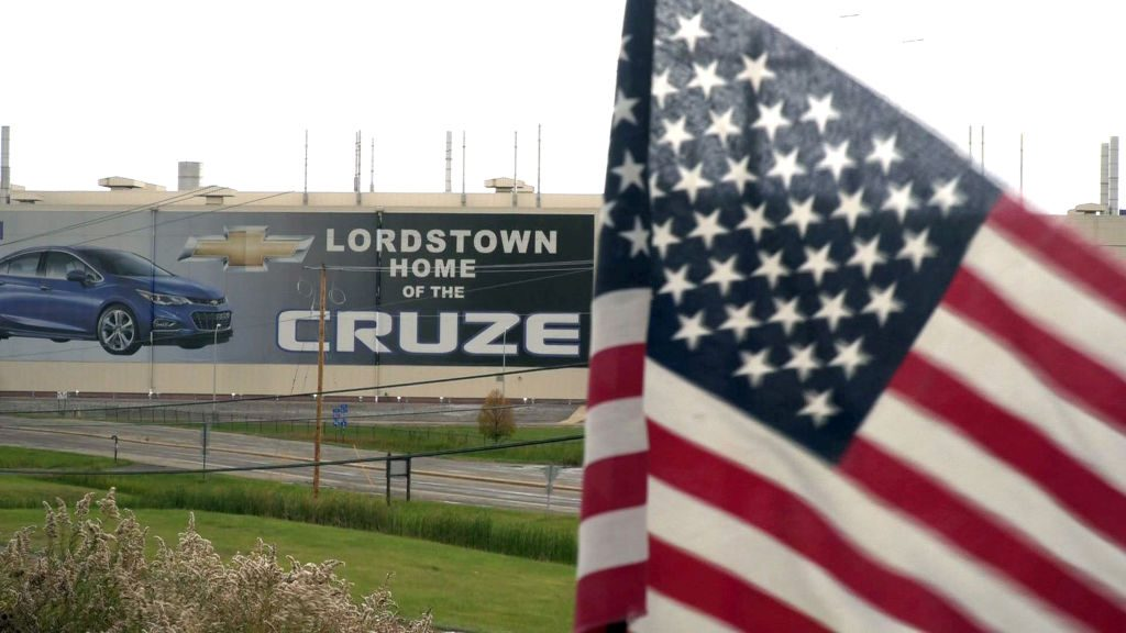 A U.S. flag flies near the Lordstown, Ohio, Chevrolet factory