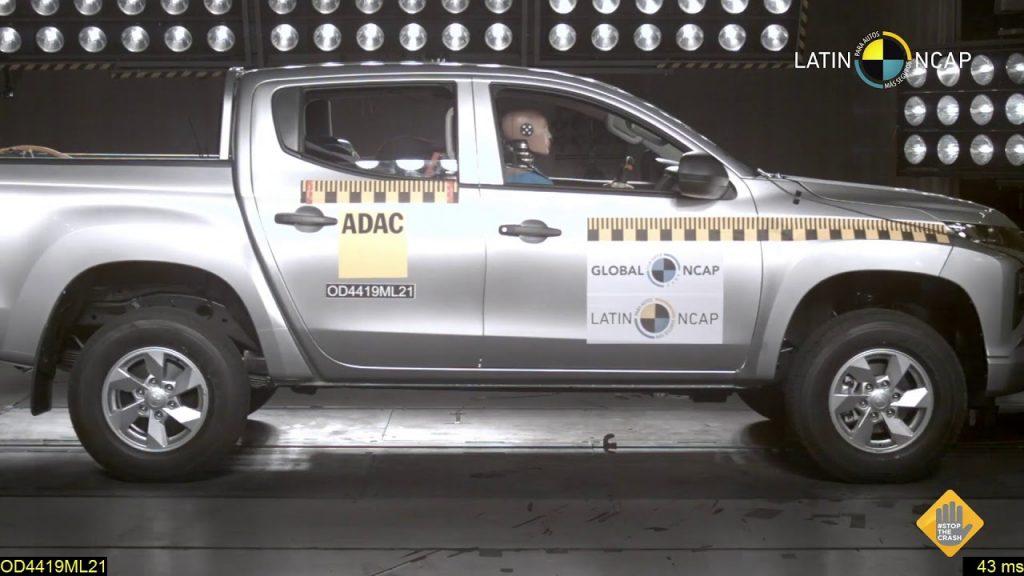 Mitsubishi L200 Latin NCAP crash test