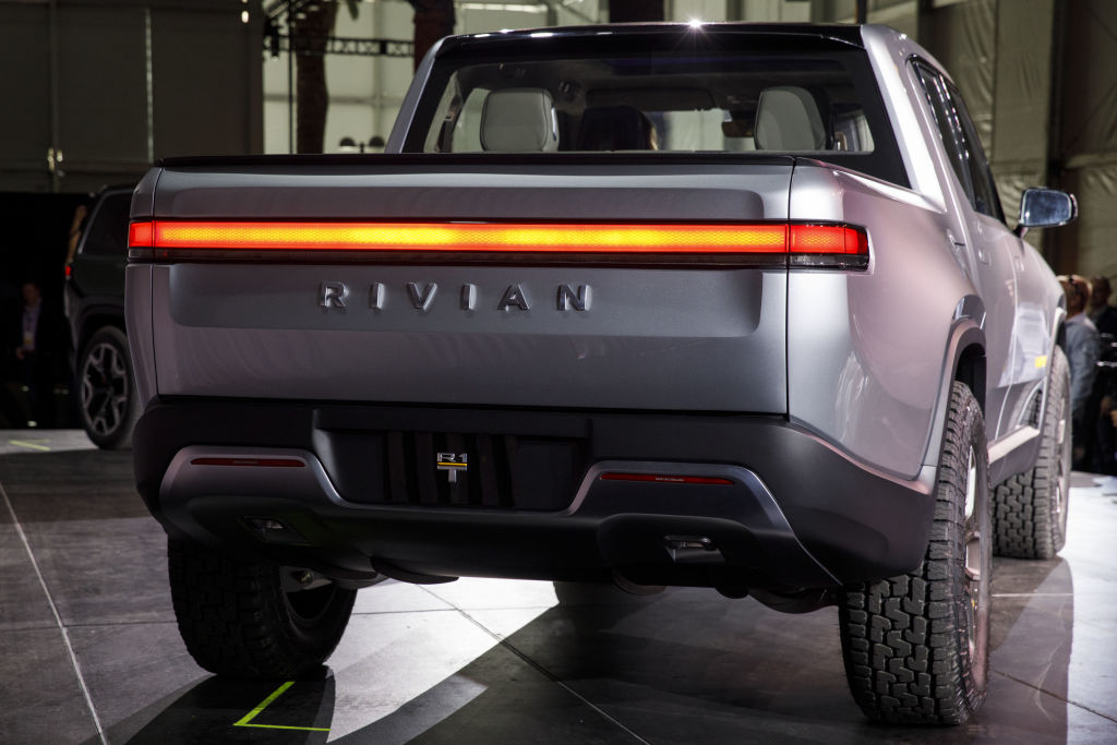 Rivian R1T and Tesla's Cybertruck: Which Is Faster?