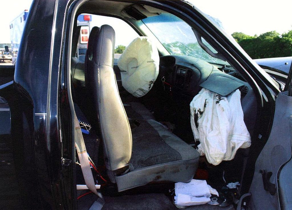 Truck accident with airbags deflated
