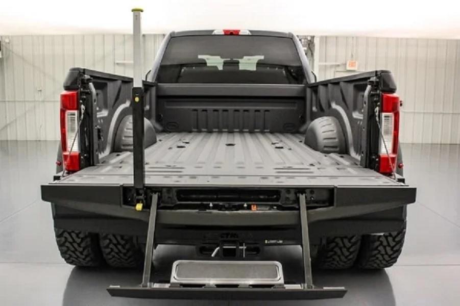 2019 Ford F-350 Mac Truck