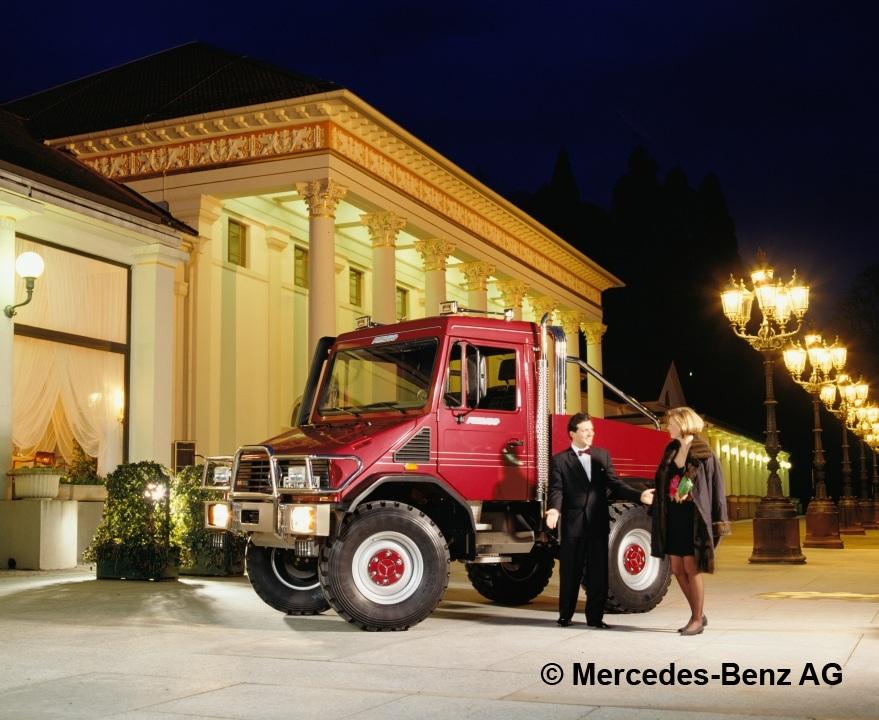 1994 Mercedes-Benz Funmog Unimog U90 town