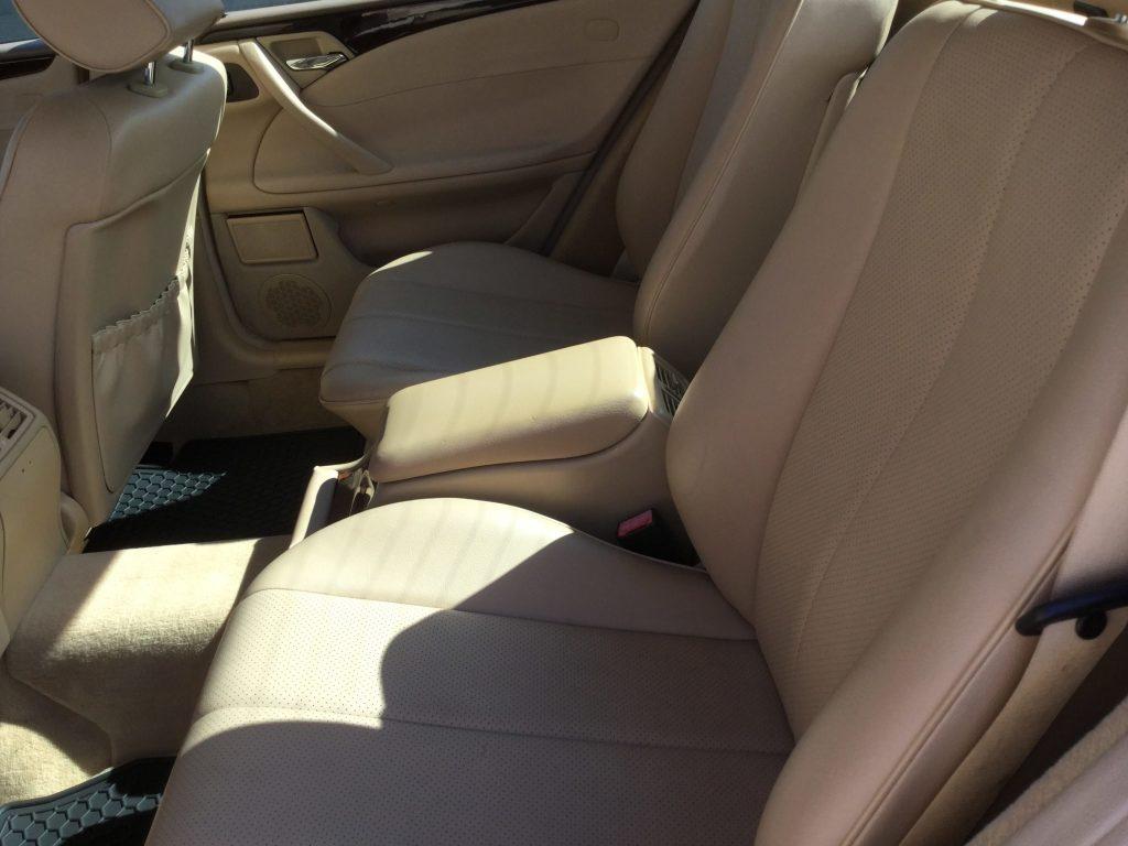 2000 Mercedes-Benz E320 pickup rear seats