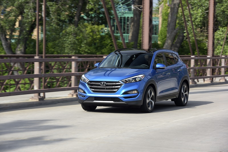 2016 Hyundai Tucson driving on street