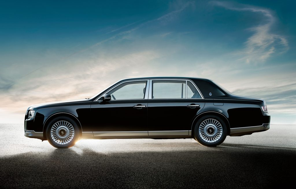 2018 Toyota Century side