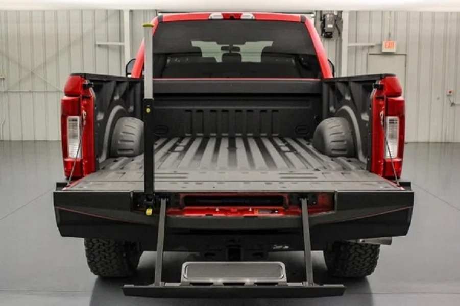 2019 Ford F-250 Baja 1000 tailgate and bed