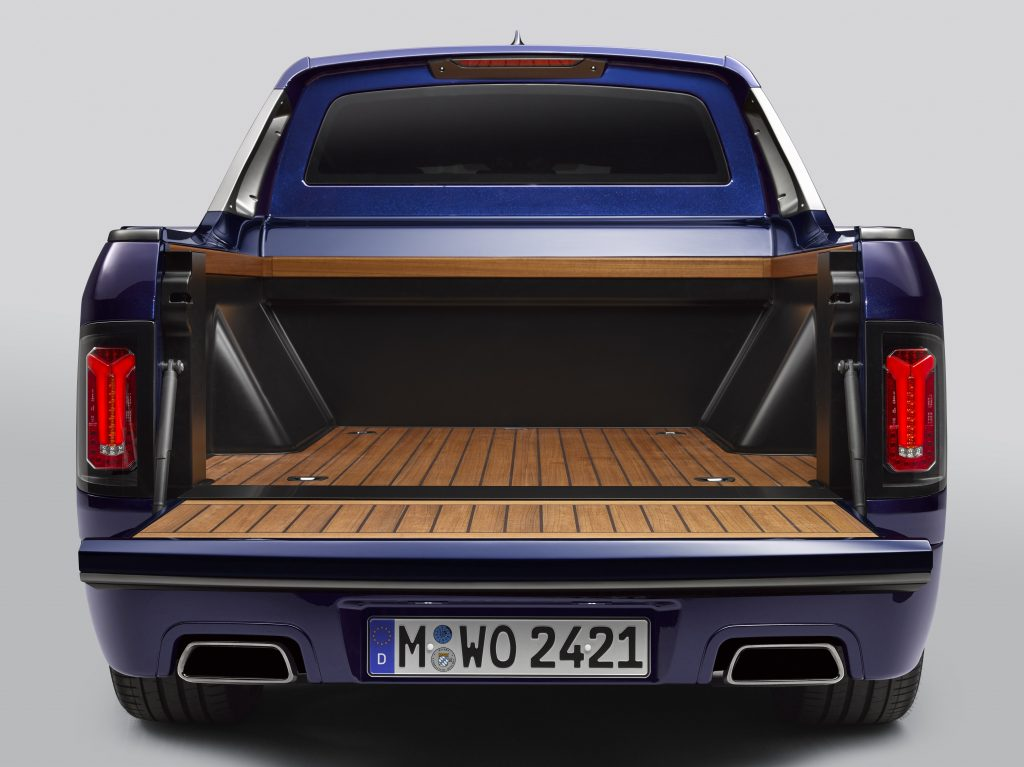 2020 BMW X7 pickup truck bed