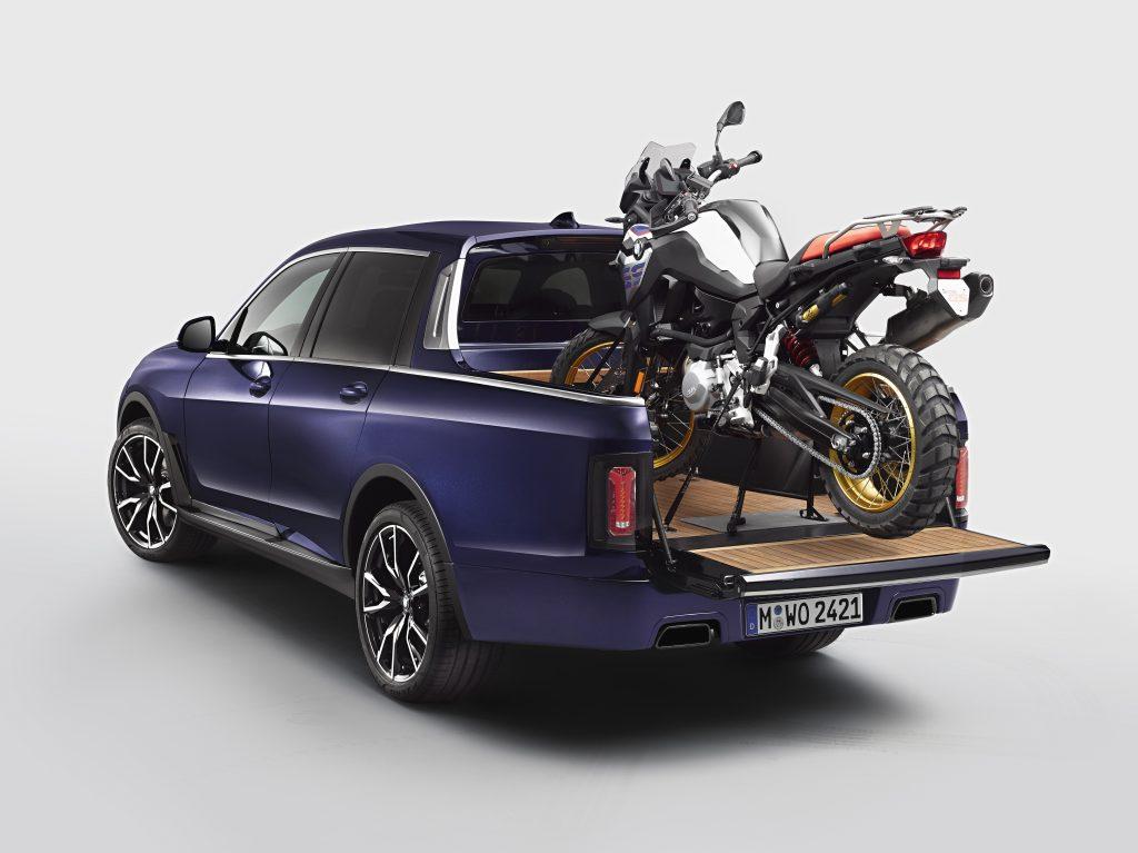 2020 BMW X7 pickup truck rear