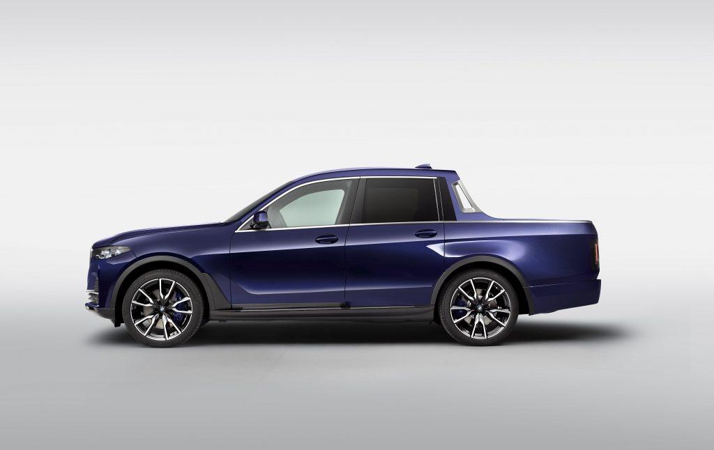 2020 BMW X7 pickup truck side