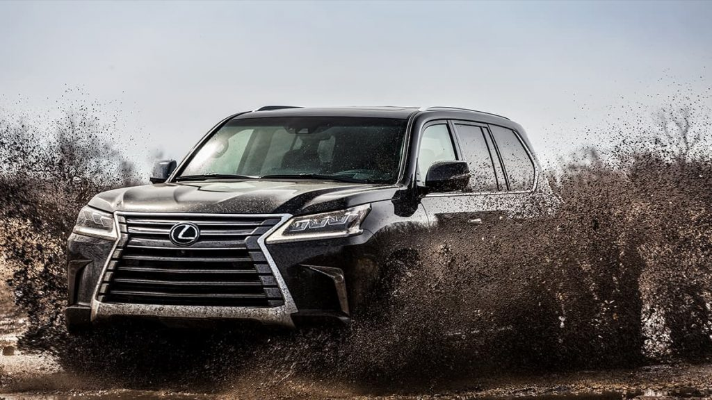 2020 Lexus LX 570 shows its formidable presence off-road