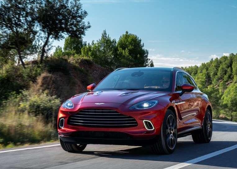 2021 Aston Martin DBX | AM