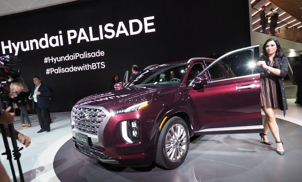 A 2020 Hyundai Palisade on display at an auto show.