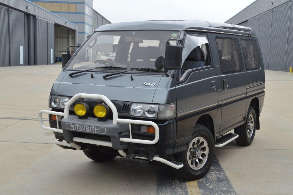 1991 Mitsubishi Delica Super Exceed 4WD diesel