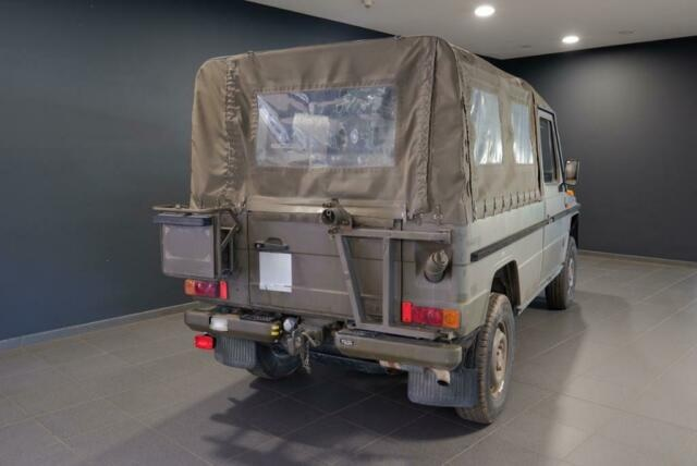 1993 Mercedes G 230 military G-Wagon rear