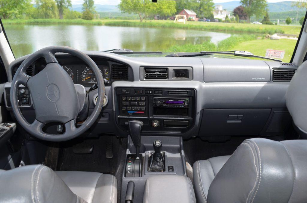 1995 Toyota Land Cruiser US-market 80-Series interior