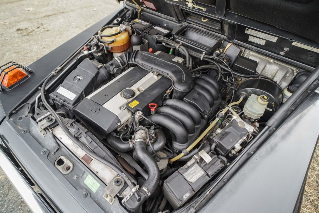 1996 Mercedes-Benz G320 engine
