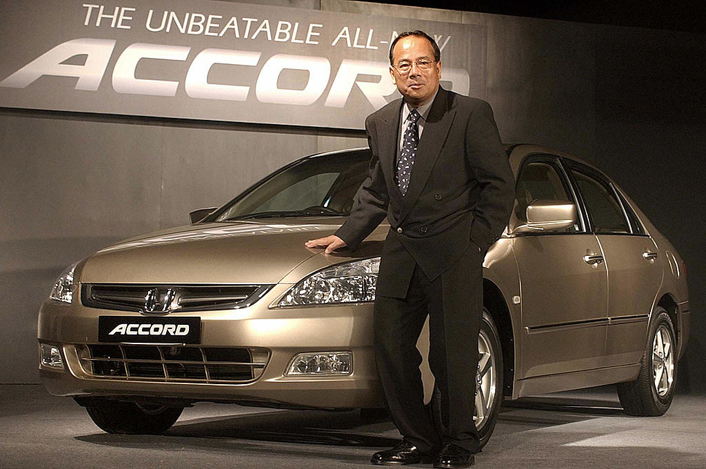the worst honda accord model years you should never buy https www motorbiscuit com the worst honda accord model years you should never buy