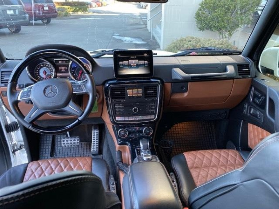 2017 Mercedes G63 AMG front interior