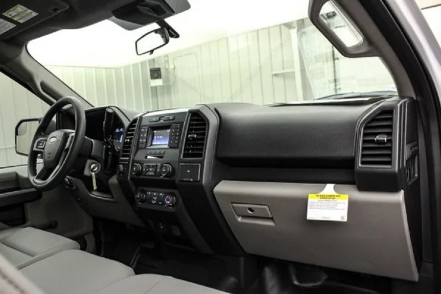 2020 Ford F-150 Cattleman interior side