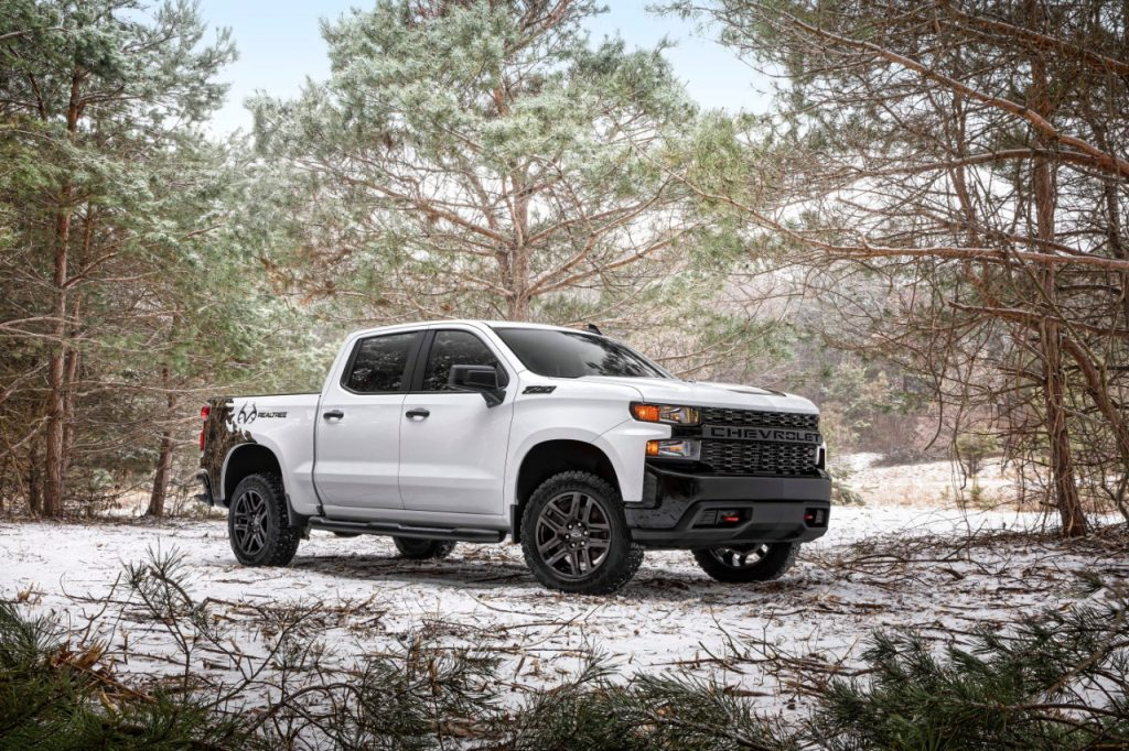 2021 Chevrolet Silverado Realtree Edition parked in snow