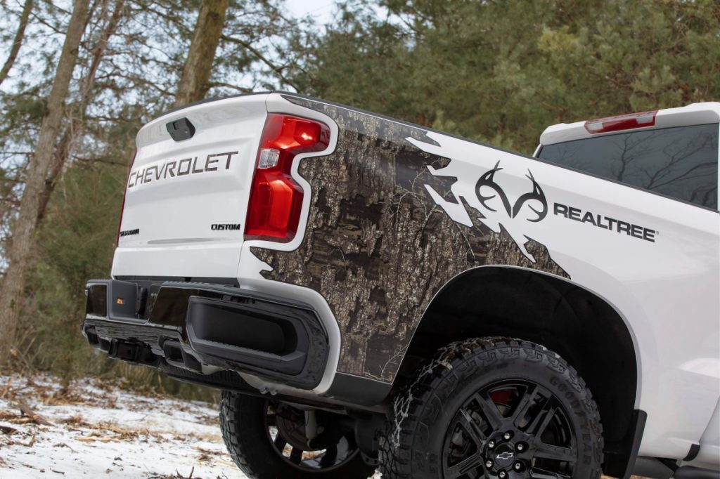 2021 Chevrolet Silverado Realtree edition bed