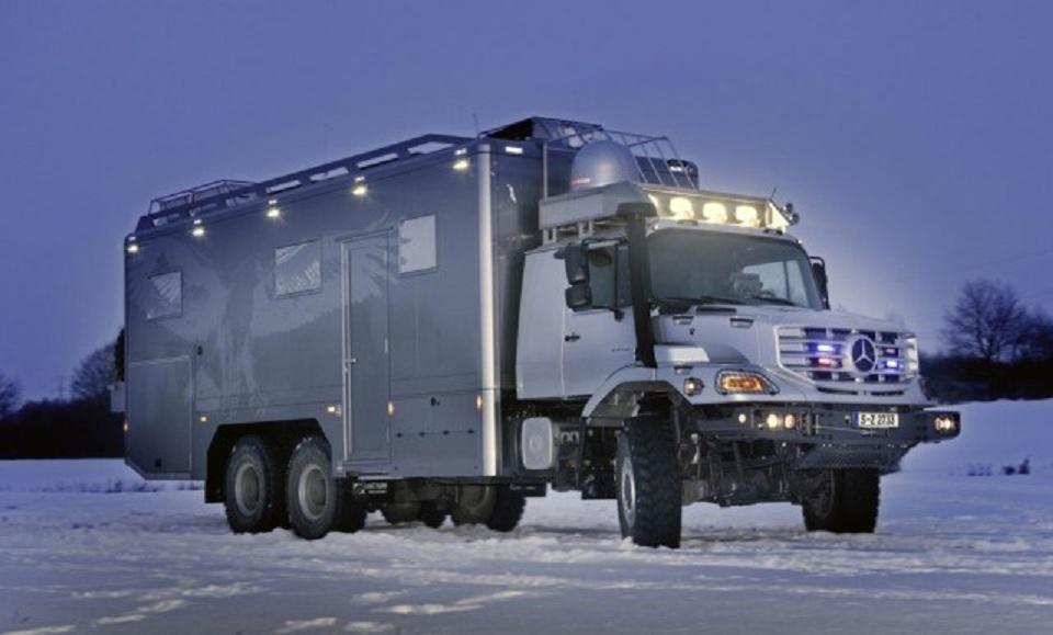 Mercedes-Benz Zetros 2733 A 6×6 camper