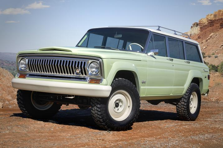 1965 Jeep Wagoneer Roadtrip
