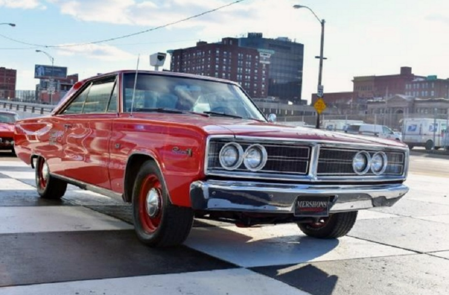 1966 Dodge Coronet with 426 Hemi
