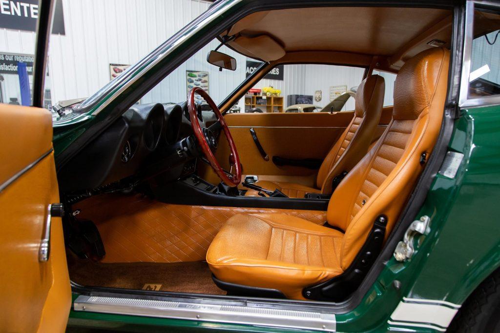 1971 Datsun 240Z interior