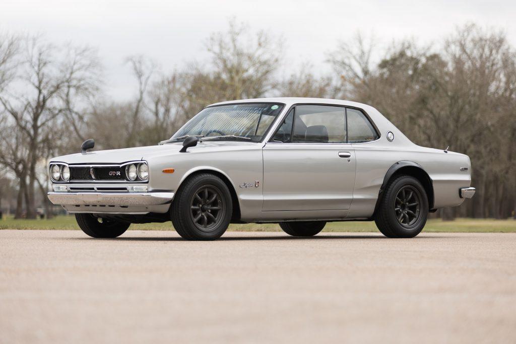 A silver 1971 'Hakosuka' Nissan Skyline GT-R