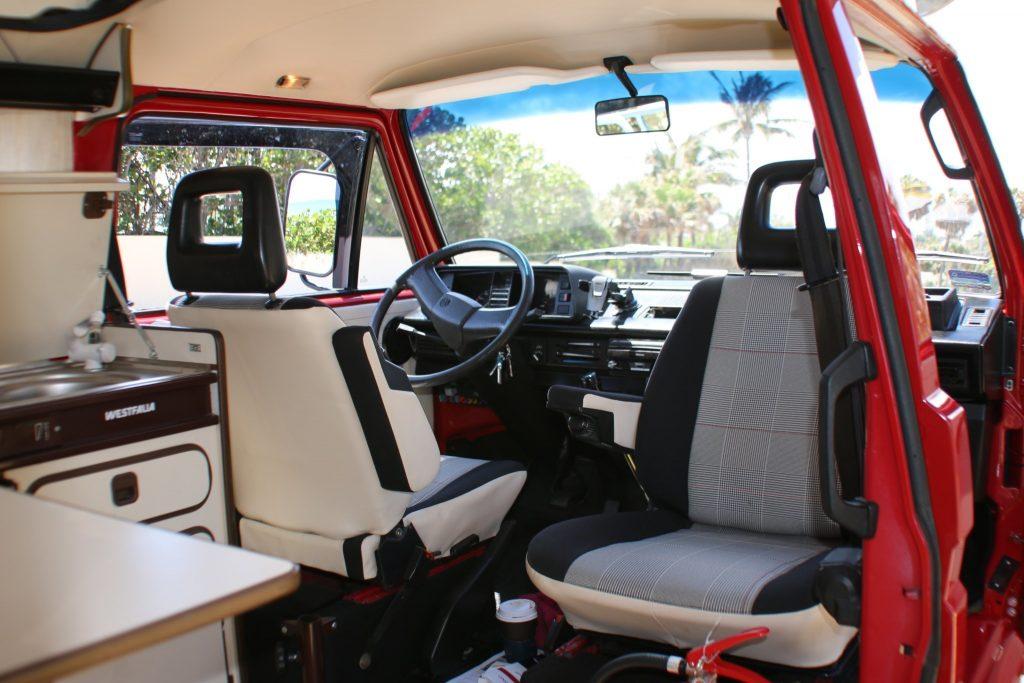 1991 Volkswagen Vanagon Syncro campervan interior