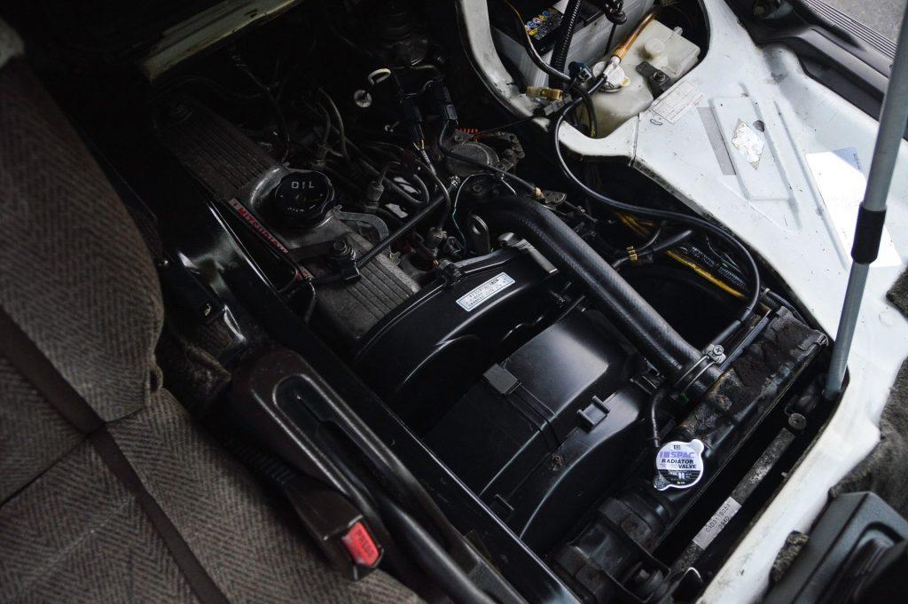 1992 Mitsubishi Delica turbodiesel engine