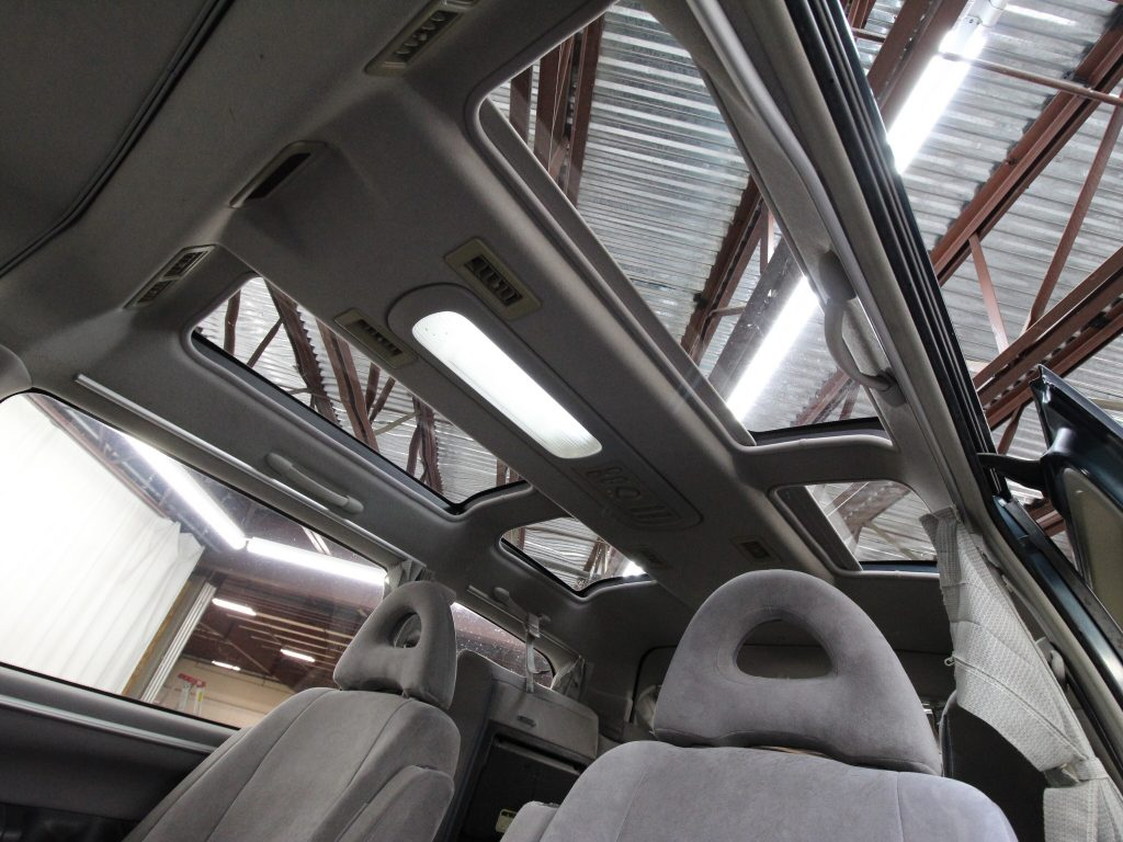 1994 Mitsubishi Delica Space Gear interior roof