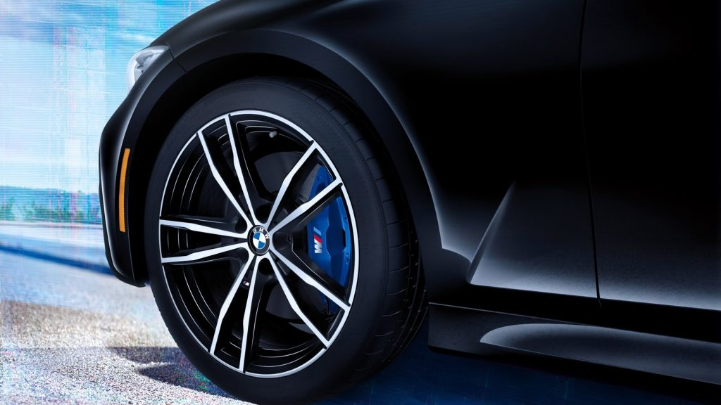 2019 BMW 3-Series M Sport brakes and wheels