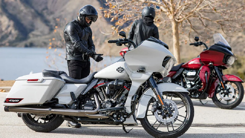2020 Harley-Davidson CVO Road Glide and Road Glide Special