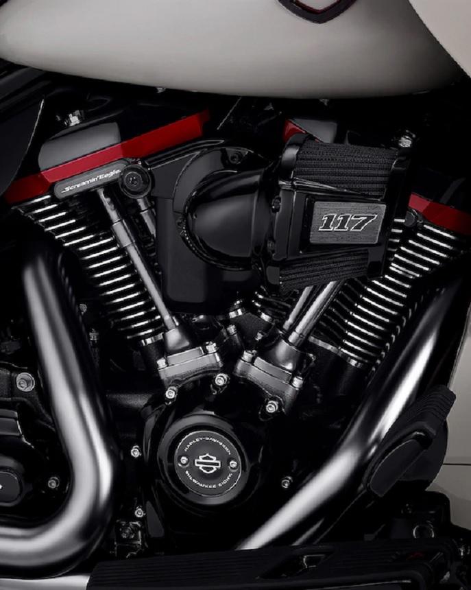 2020 Harley-Davidson CVO Road Glide engine