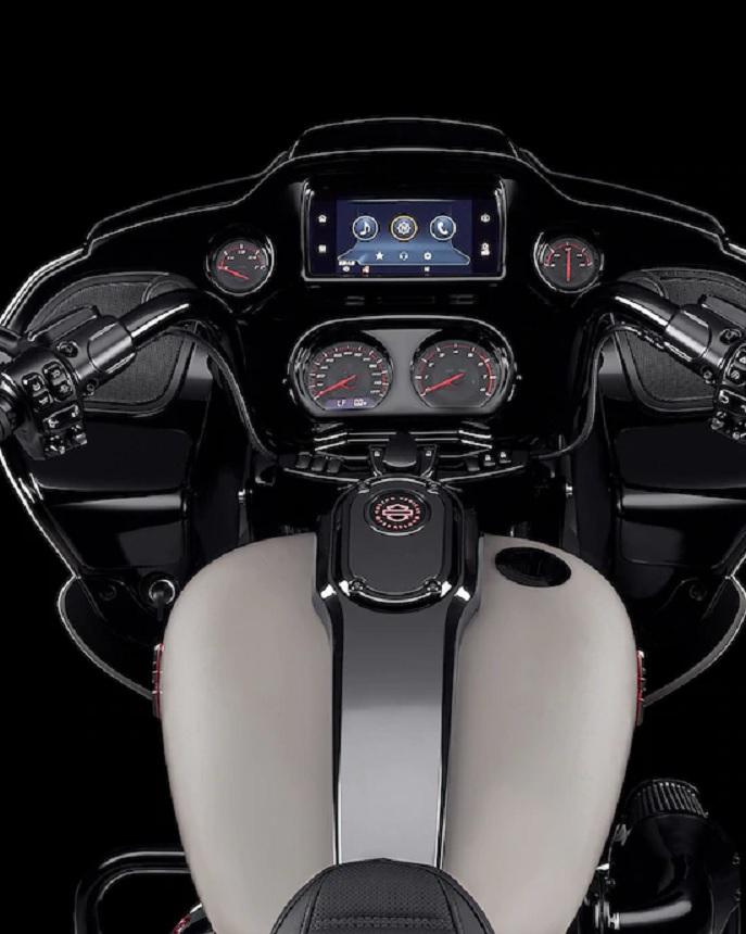2020 Harley-Davidson CVO Road Glide gauges