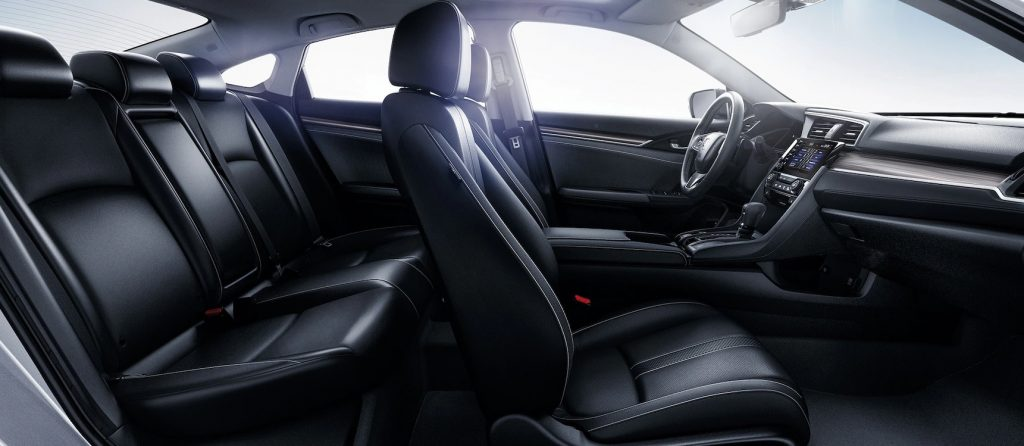 2020 Honda Civic Touring interior