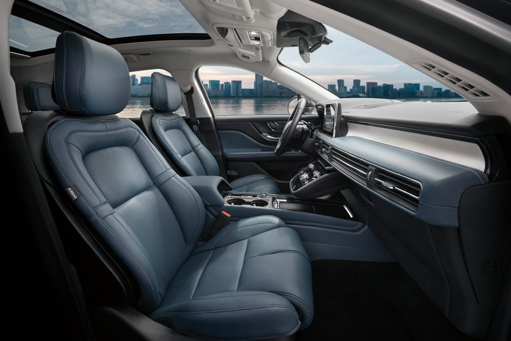 2020 Lincoln Corsair Beyond Blue interior side