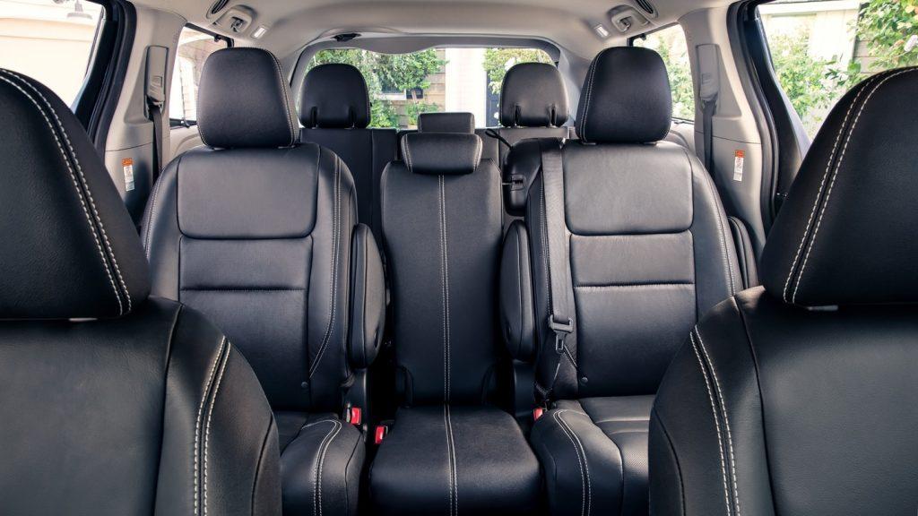 2020 Toyota Sienna SE Premium interior