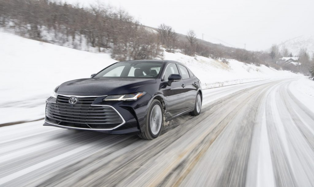 2021 Toyota Avalon Limited AWD front